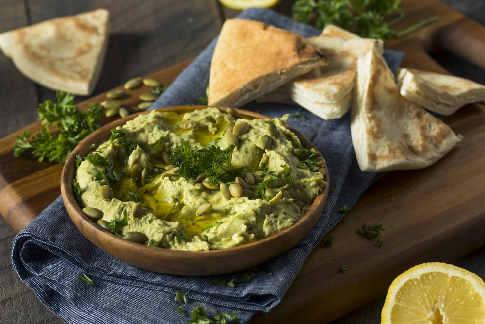 You Will Fall In Love With This Avocado Hummus