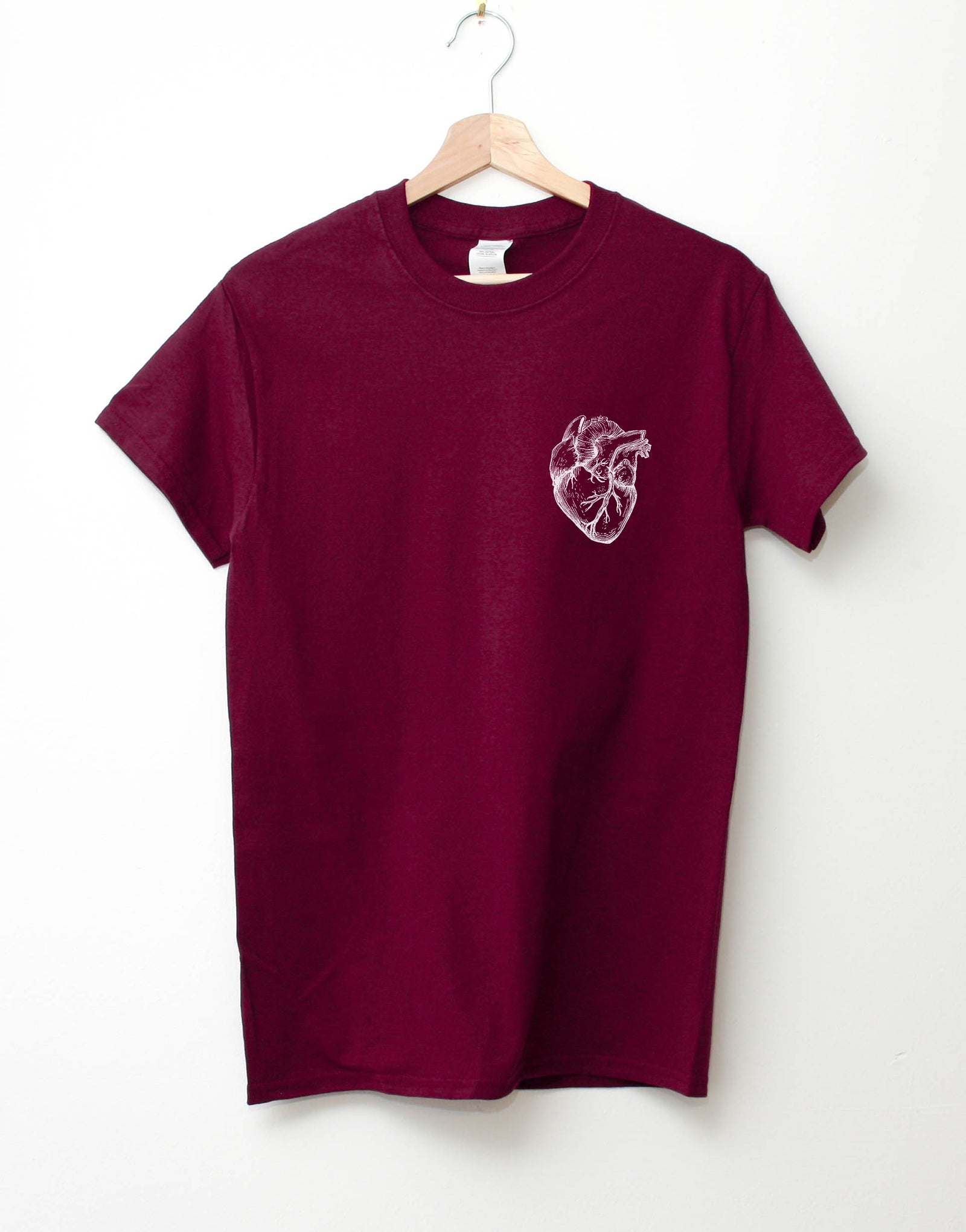 Heart organ pocket print t-shirt (maroon)