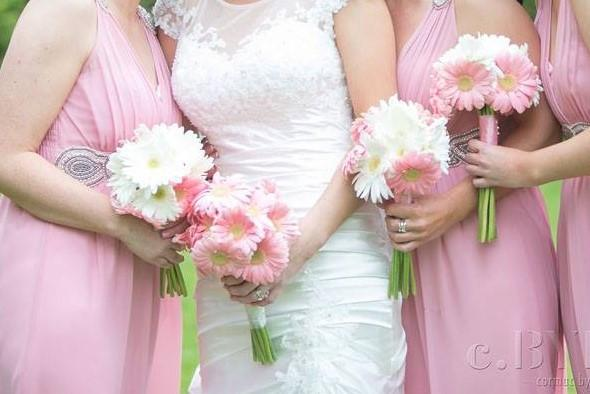 Pretty White and Pink Brides and Bridesmaids Wedding Bouquets