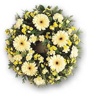 Fresh Flower Yellow/White wreath or tribute