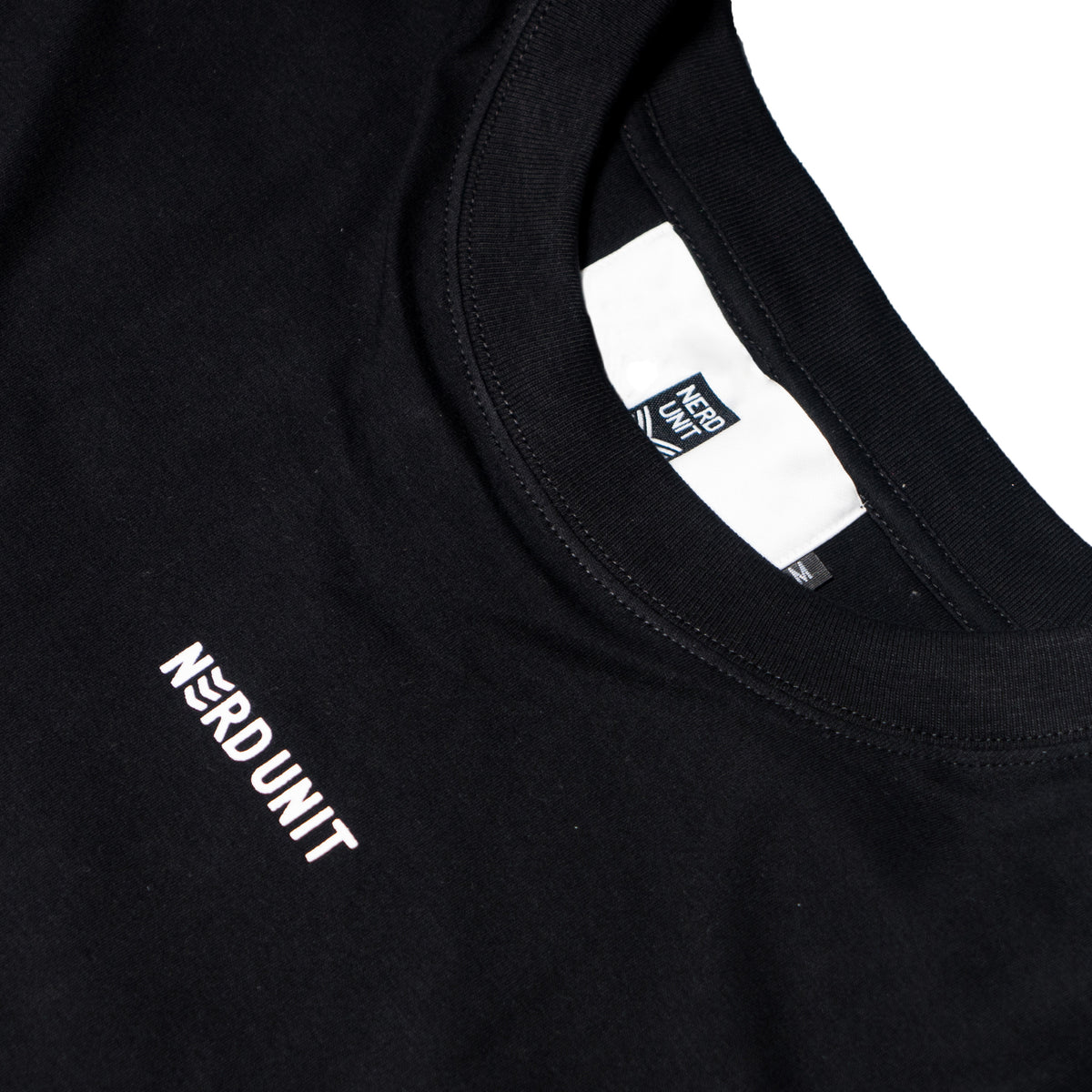 REFLECTIVE PATCH TEE
