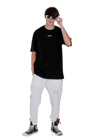 BASIC EMBLEM TEE | BLACK / WHITE