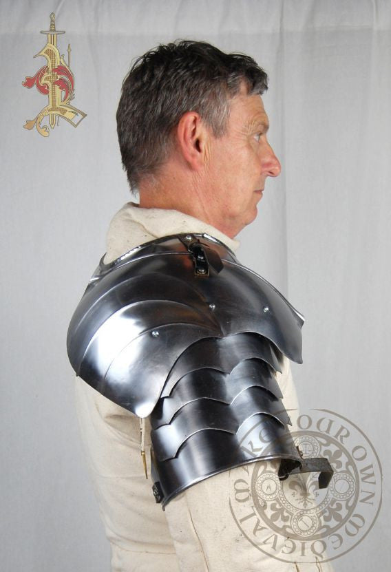 Gothic plate 15th century armour shoulder pauldron