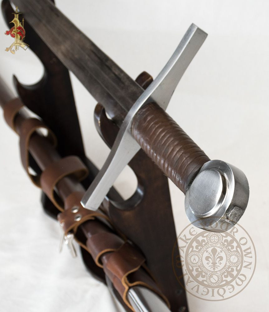 Medieval reenactment combat functional sword 13th century Oakeshott type weapon