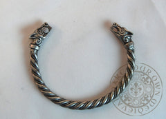Viking arm band wolf head bracelet for SCA garb
