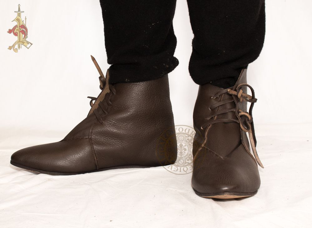 9cf3b676dcff3 Medieval Leather Thong Fastening Boot - Brown