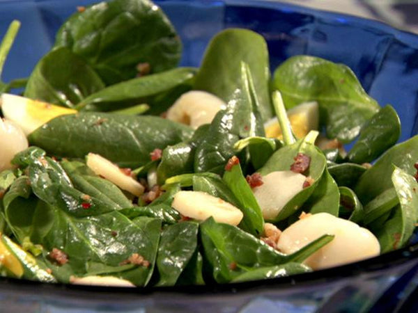 Weekly Special Salad - Spinach Salad with Bacon and Almonds