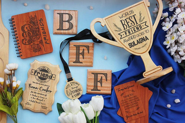 Personalized Besties Gift Picture Frame and Insert Clock on Wood!21st Birthday Gift Idea for Best Friend Female.Wood Desk Clock gift for BFF
