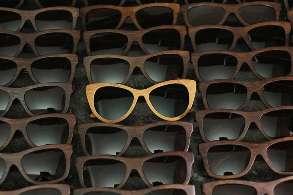 d067c64dcc Personalized Wooden Sunglasses as Corporate Gifts for Employees. This is  the best business promotional gift