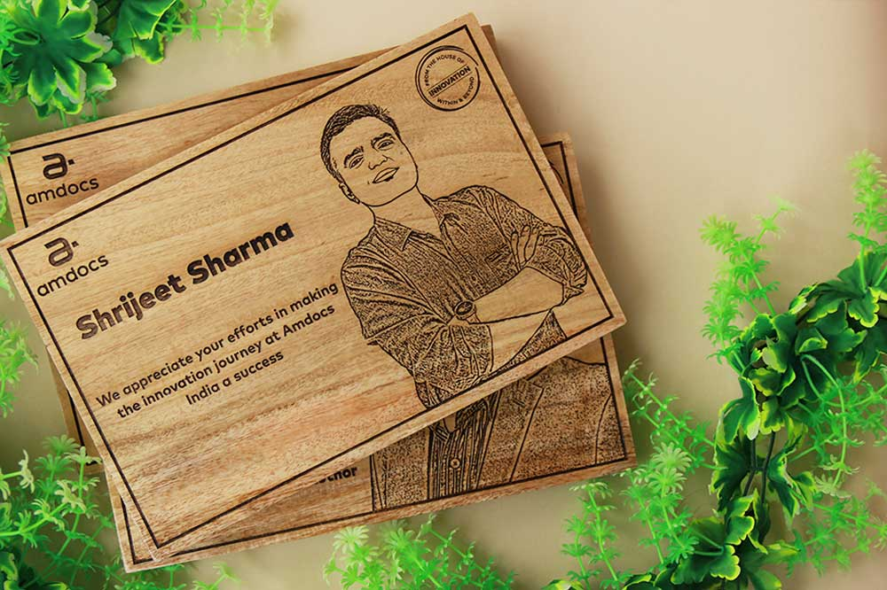 Custom Wooden Plaques As Corporate Gifts For Amdocs Employees. The best personalized corporate gifts. Wooden Posters custom engraved with a photo and text. Photo engraved promotional gifts as wholesale orders