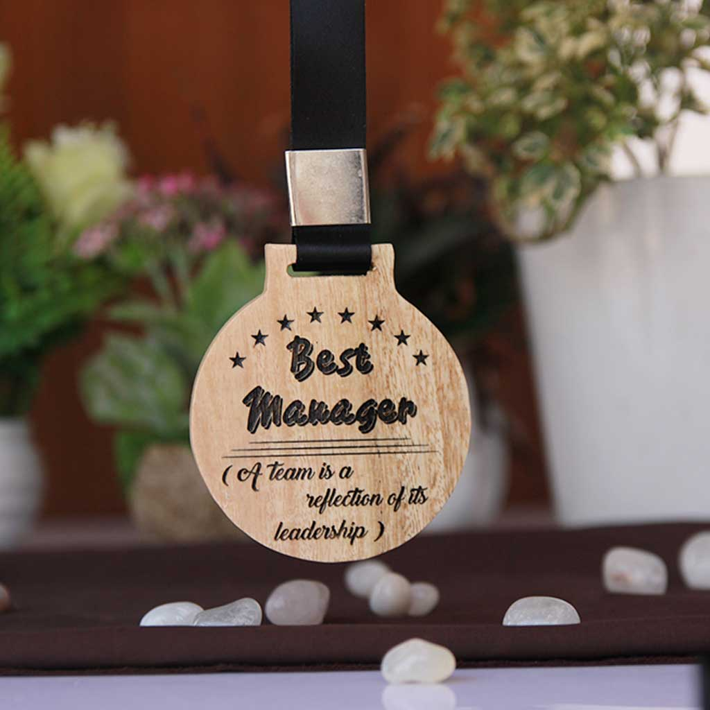 CustomizedBest Manager Wooden Medal - This engraved makes a wonderful employee recognition award - Looking for unique gift ideas for boss, or colleagues? This custom engraved medal is one of the best office gift ideas