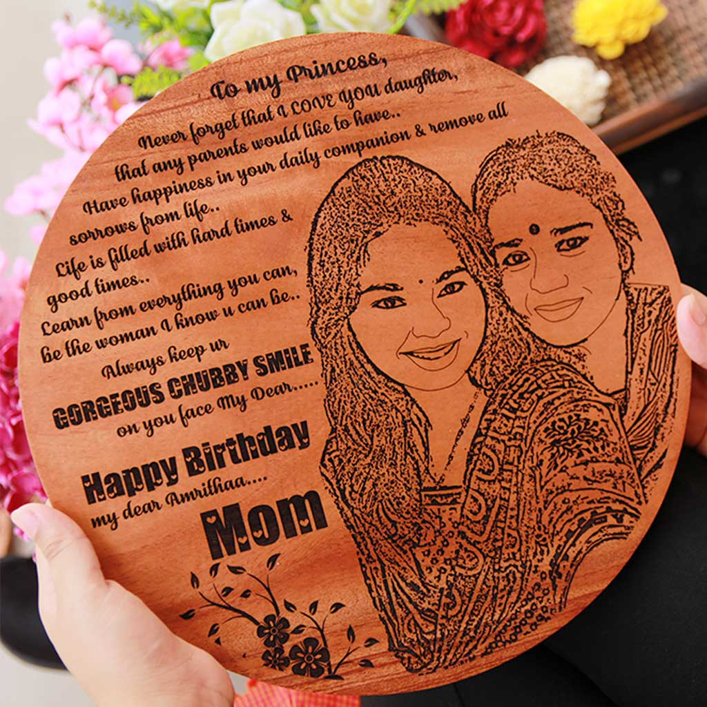 Customized Circular Wooden Frame For Mom - This Photo On Wood Makes A Perfect Mother's Day Gift - Buy The Best Gifts For Mom Online From The Woodgeek Store