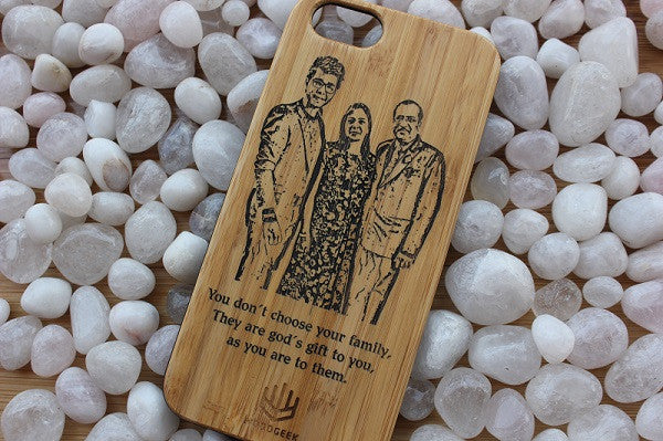 Engrave your wooden iPhone case with a family photo