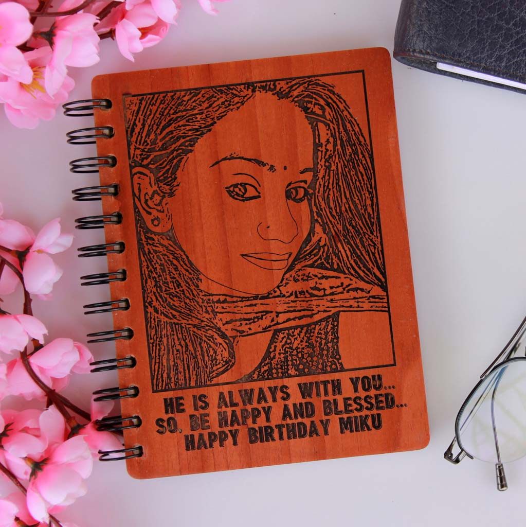 Wooden Notebook As Photo Gift for Friend. This Personalised Notebook Makes Fun Birthday Gifts For Friends. This Is The Best Gift Ideas for Friends.