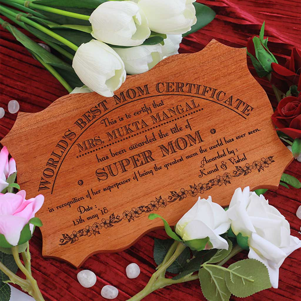 World's Best Mom Wooden Certificate - These Personalized Certificates Of Recognition Make Special Gifts For Mother's - Looking For Unique Mother's Day Gifts ? Buy Personalized Gifts For Her From The Woodgeek Store