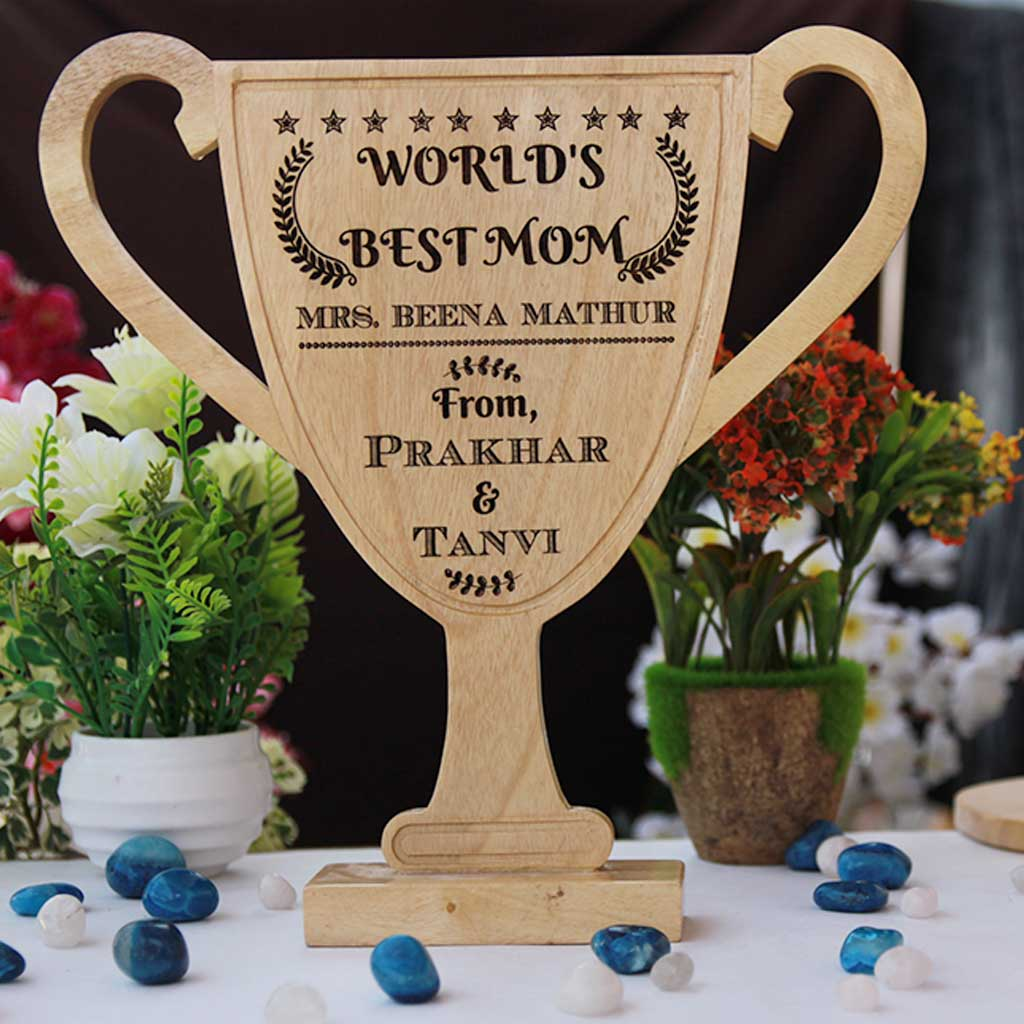 Customized Wooden Trophy Cup For The World's Best Mom - These personalized  cups and trophies make great gift ideas for mom - Buy unique and personalized mothers day presents from The Woodgeek Store