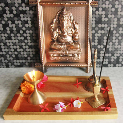 Diwali Pooja Thali. A Wooden Tray For Diwali. This Aarti Thali Is A Great Diwali Gift. Looking For The Best Diwali Gift For family? This Custom Tray Is The Best Diwali Gift.