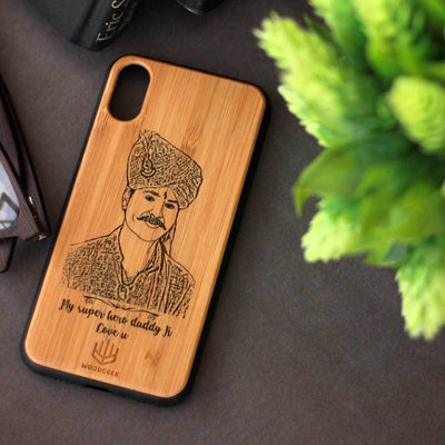 World's Best Dad Phone case - Personalized Phone Case for Dad - Custom Engraved Phone Covers for Fathers - Father's Day Gifts - Bamboo Wood Phone Cases from Woodgeek Store