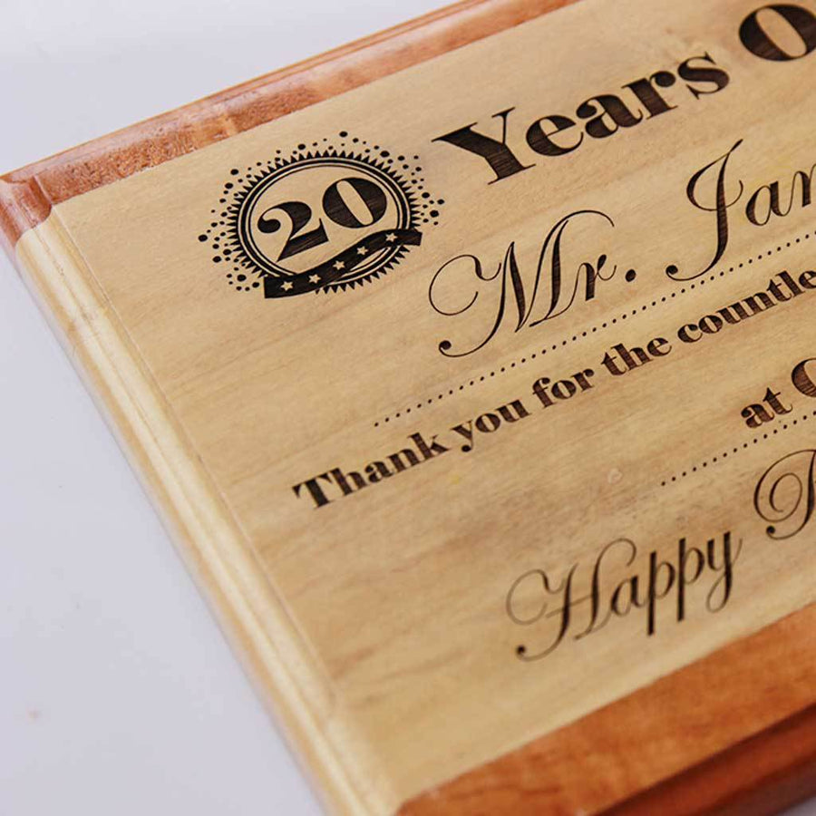 Personalised Retirement Plaque for Employee or Colleague. This award plaque is a unique retirement gift. Wooden plaques make great personalized retirement gifts.