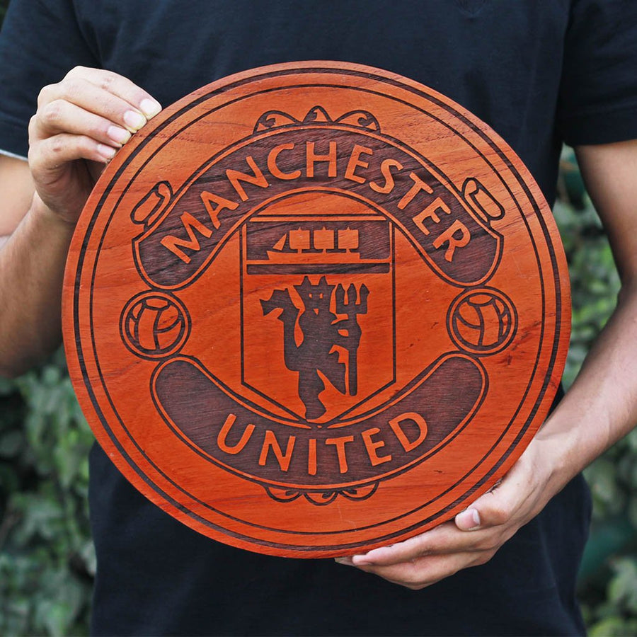 Manchester United Club Logo Round Poster - Carved Wooden Poster - Gifts for Football Fans by Woodgeek Store