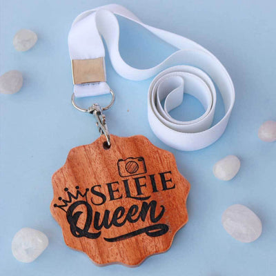 Selfie Queen Engraved Medal. A funny award for the selfie queen of your life. This wooden medal makes great presents for friends. These wooden medals are funny gift ideas for sisters.