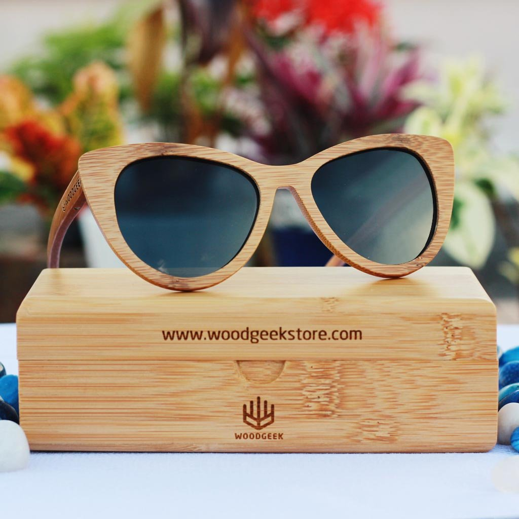 71880f2802 Wooden cateye sunglasses - The Librarian brown bamboo -custom engraved -  woodgeekstore