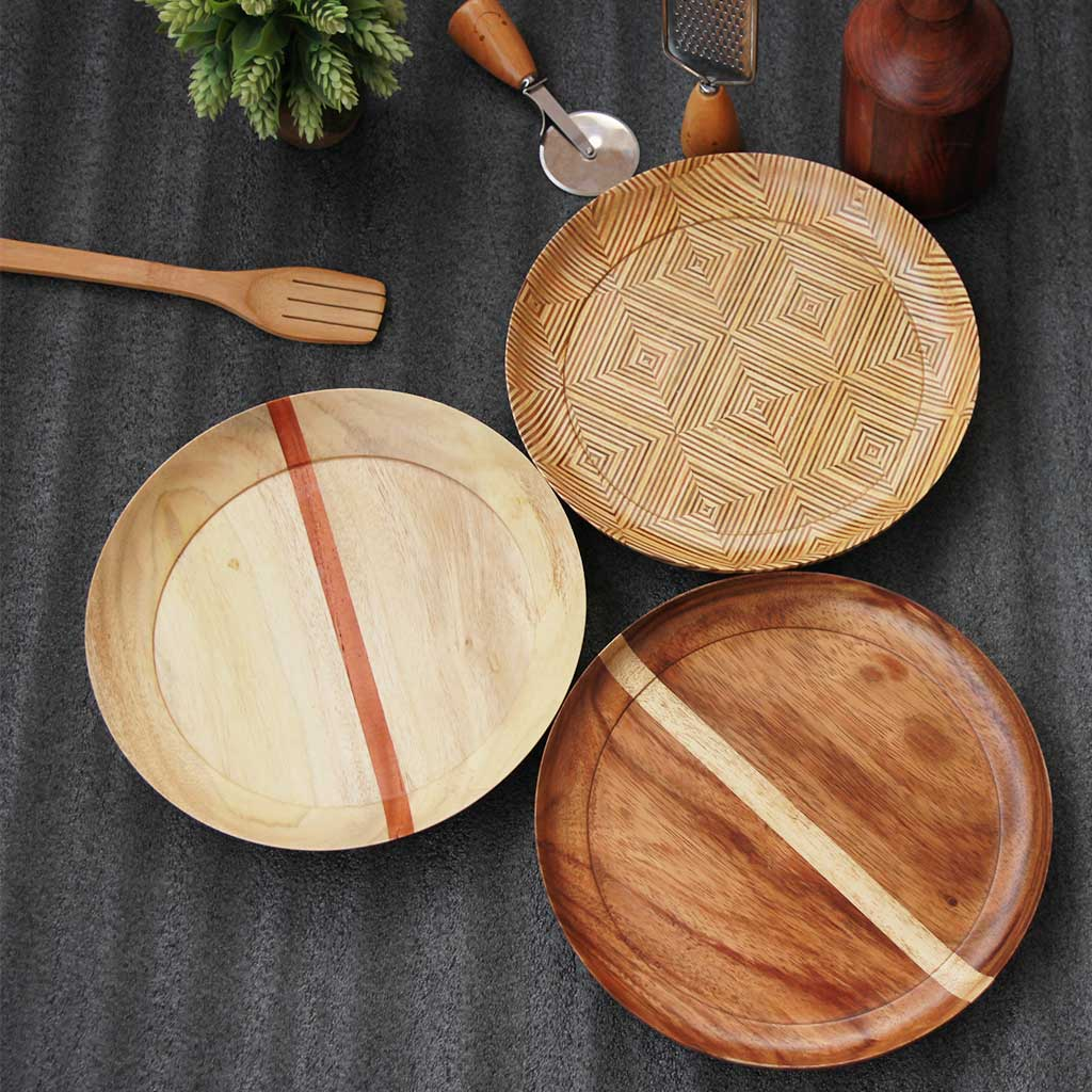 Set of 3 dinner plates made from wood by woodgeek store