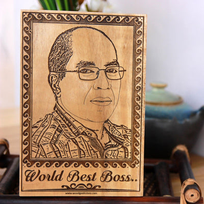 World's Best Boss Wooden Engraved Photo. Looking for gift ideas for boss? This photo on wood make great birthday gift for boss, farewell gift for boss and personalized gifts for boss.