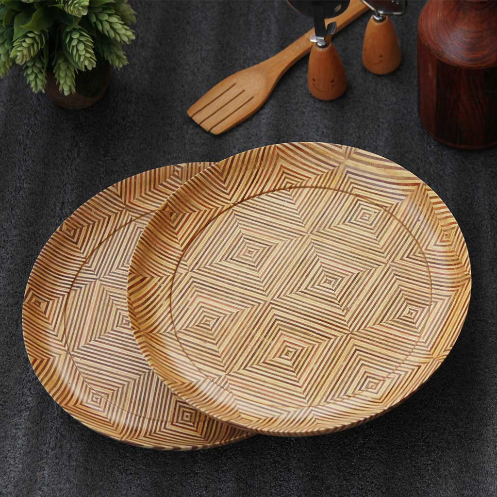 Wooden dinner plates, set of 2, made from patterned plywood  by Woodgeek store