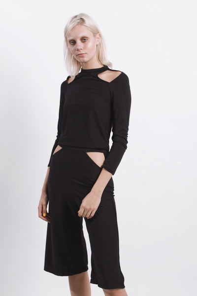 BLACK COLD SHOULDER CUT OUT TOP