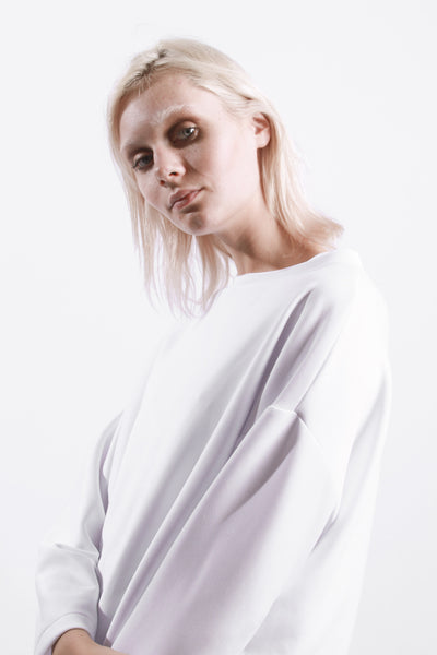 OVERSIZED DROP ARM JUMPER // WHITE