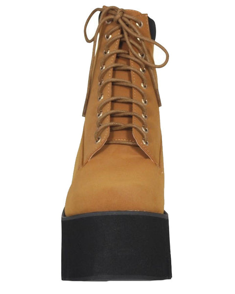 STAND UP TALL // CAMEL PLATFORM BOOTS - Studio LBW