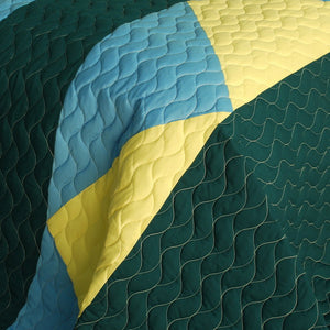 Green Blue Yellow Geometric Teen Boy Bedding Full/Queen Quilt Set - Detail