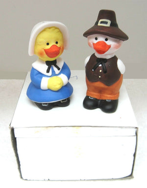 Suzy's Zoo Vintage Collectible Thanksgiving Salt & Pepper Shakers 2-Piece