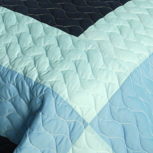 Blue Checkered Patchwork Teen Boy Bedding Full/Queen Quilt Set - Detail