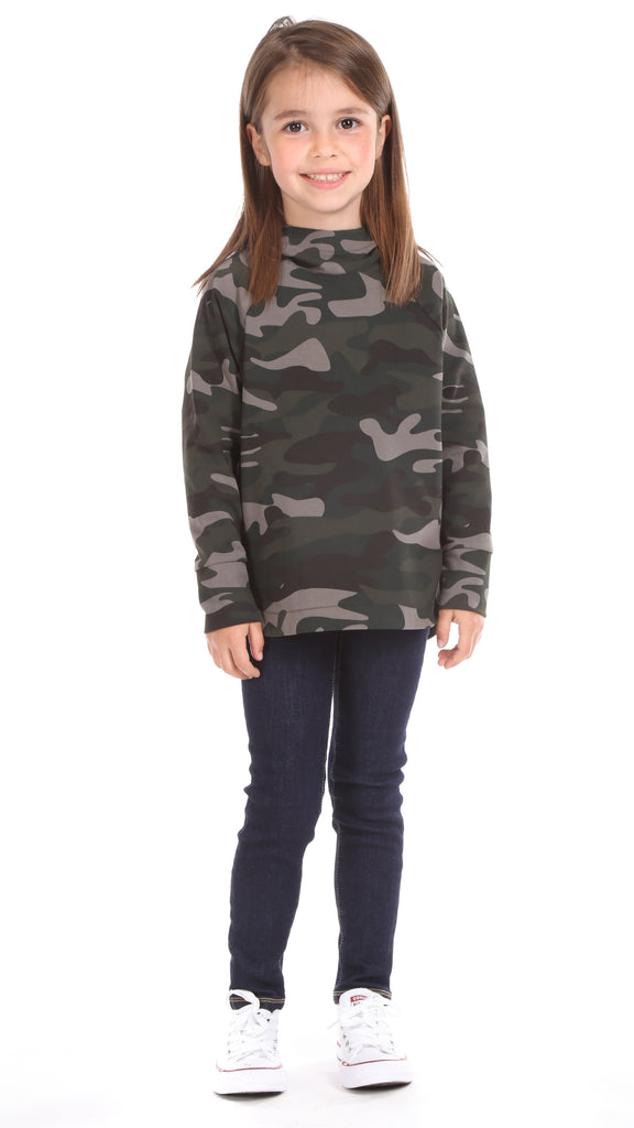 Girls Prospect Pullover in Camo