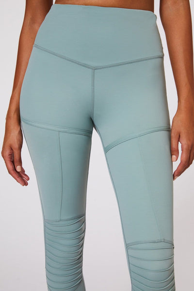 Peace of mind 7/8 Legging Mint - Tonic UAE Peace of mind 7/8 Legging Mint - Athletic Wear L'URV - tonic athletic apparel Tonic UAE - tonic UAE