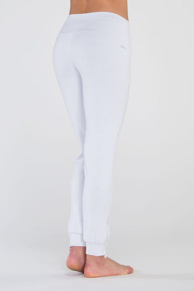 Escentia Pant - Tonic UAE Escentia Pant - Athletic Wear Tonic UAE - tonic athletic apparel Tonic UAE - tonic UAE