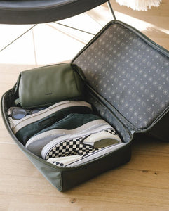shoe compartment in CALPAK Stevyn duffel bag