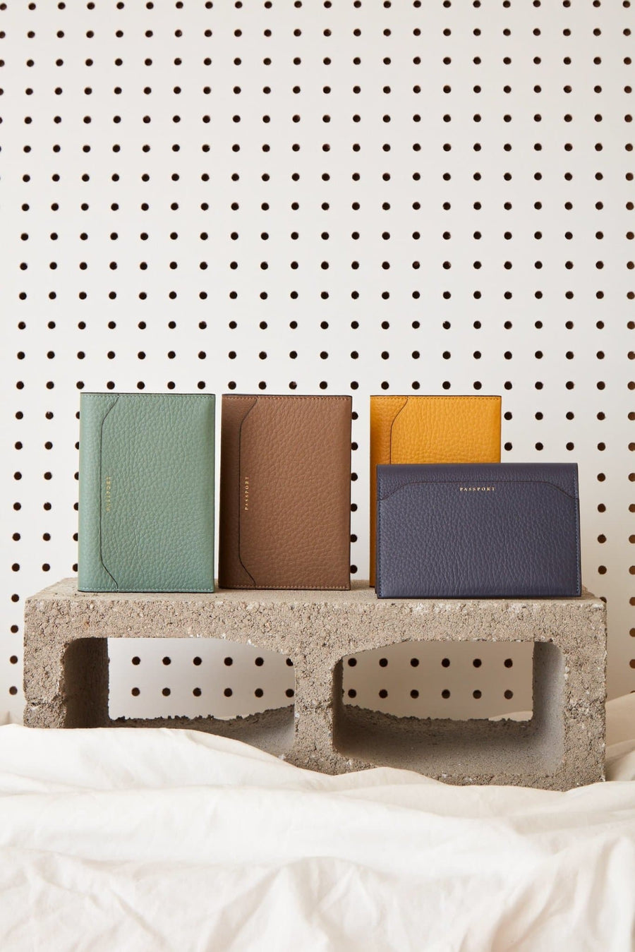 Billy Passport Case - Celadon - OAD NEW YORK