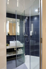 clean and clear glass shower door