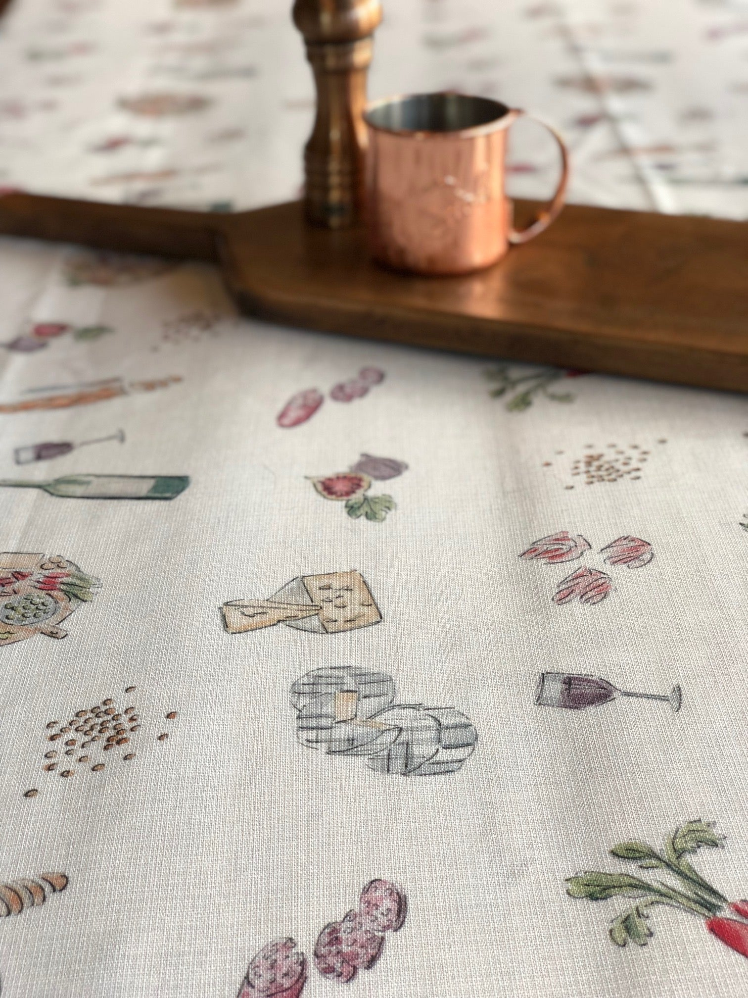 Nappe Vin Fromage et Charcuterie - Tablecloth Charcuterie, Wine and Cheese