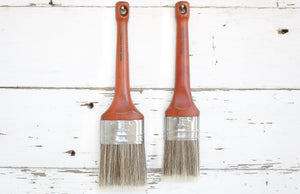 Oval Paint Brush Furniture Chalk Paint Brush - synthetic bristles to reduce brush strokes - contain no animal products