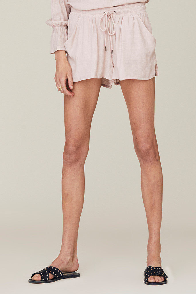 Bibi Short in Textured Crepe