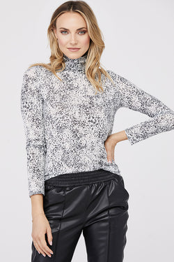Kelly Knit Turtle Neck