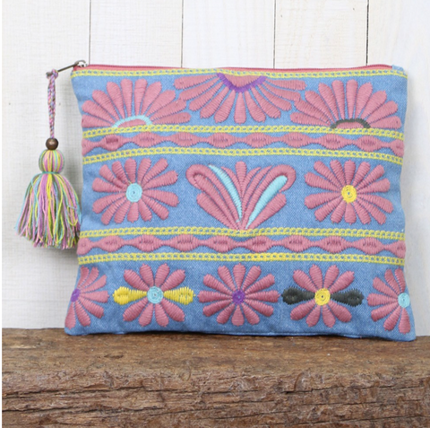 << MALAGA >> EMBROIDERED FLORAL CLUTCH + TASSEL