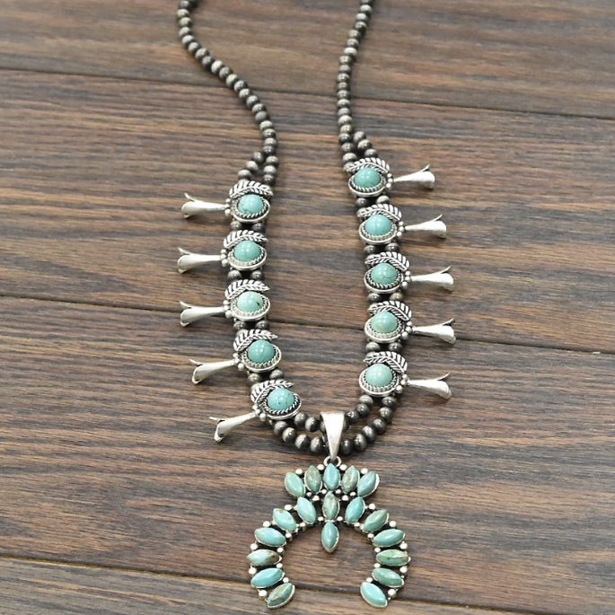 << SQUASH BLOSSOM >> FULL NATURAL TURQUOISE NECKLACE