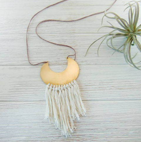<< MOON FRINGE >> NECKLACE