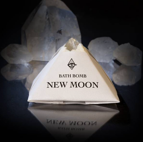 << NEW MOON >> CRYSTAL BATH BOMB