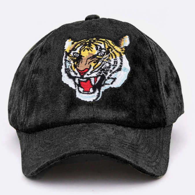 « HERE, TIGER » DISTRESSED VELOUR CAP